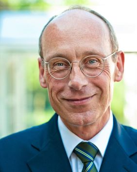 Dr. Michael Frisch neuer Oberkirchenrat